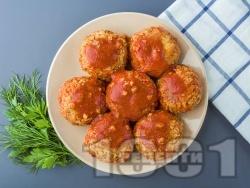 Печени кюфтета от елда с доматен сос с ароматни подправки - снимка на рецептата